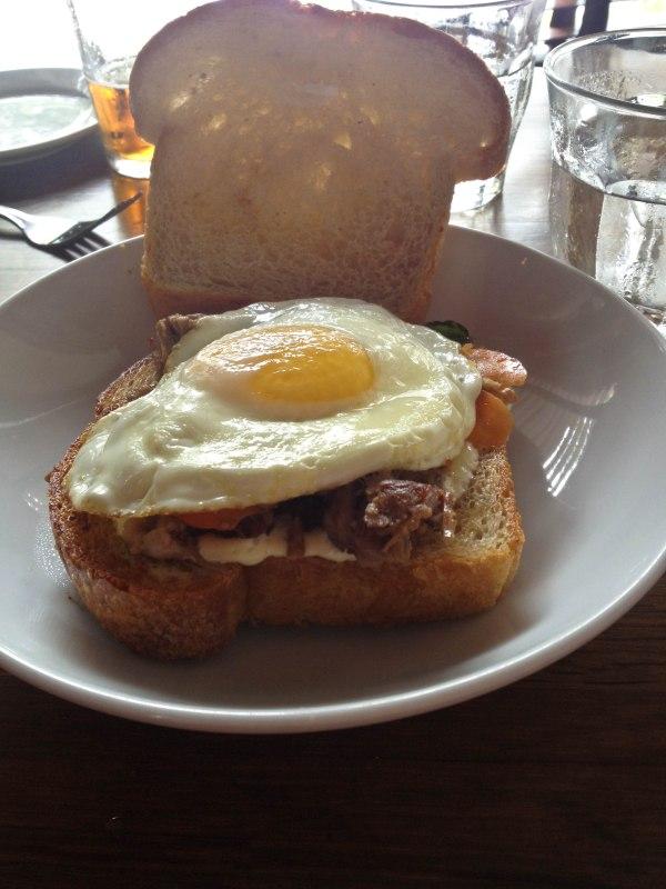 pork_neck_sandwich_-_lader